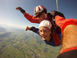Fallschirmspringen Kempten Durach im Allgäu 1